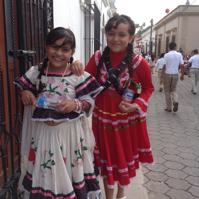 16 de Noviembre 2015: Participantes jovenes en El Desfile de los Niños en Álamos, Sonora, para Día de la Revolución.  https://en.wikipedia.org/wiki/Mexican_Revolution / November 16,2015: Young participants in the Parade of Children in Alamos, Sonora, for Day of the Revolution   https://en.wikipedia.org/wiki/Mexican_Revolution